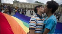 Colombia legalizes same-sex marriage