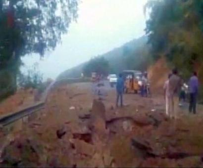 5 cops killed in landmine blast at Andhra-Odisha border