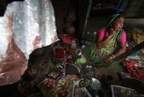 Bangladeshi gangs target Hindu homes