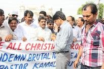 Faisalabad: hundreds of Christians protest police brutality against their pastor