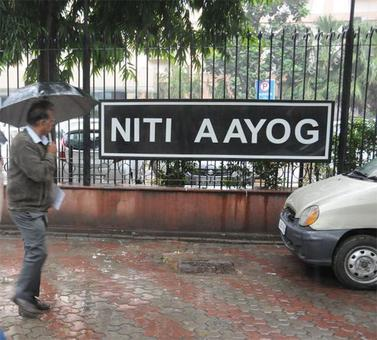 NITI Aayog to come up with report card on Sunday