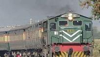13 killed, 40 injured in Pakistan train collision