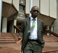 FIFA scandal's Warner wins extradition delay