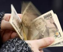 Dollar hits 4-month high as strong U.S. data contrast UK, euro zone weakness