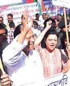 Congress protests Rahul's detention