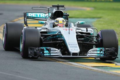 F1 GP: Hamilton breaks record as he takes pole in Australia