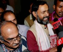 AAP ousts Prashant Bhushan, Yogendra Yadav from top panel