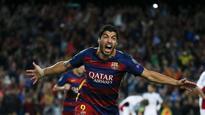 Luis Suarez scores twice as Barcelona thrash Deportivo before Real Madrid clash