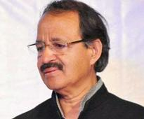 Rashid Alvi mocks PM; audience, Irani hit back
