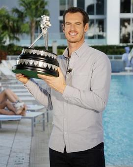 Murray bags BBC award for record third time