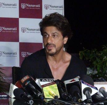 What do SRK's mother and AbRam have in common?