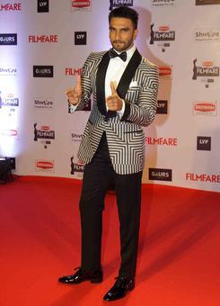 PIX: Ranveer, Salman, Bachchans at the Filmfare awards
