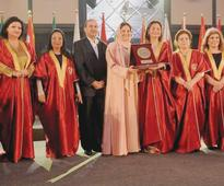 Tourism ministry official receives Golden Shield of Excellence award