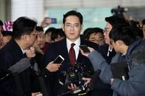 South Korean Prosecutors Are Seeking the Arrest of Samsung's Heir as a Bribery Suspect