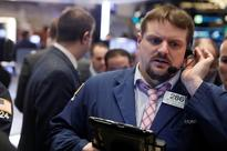 S&P 500 inches up while banks drag on Dow