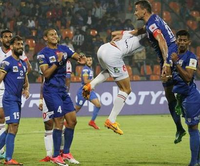 Sports Shorts: Mumbai rout Delhi in ill-tempered game