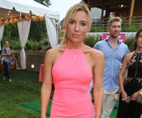 Celebrity trainer Tracy Anderson endorses walking workouts