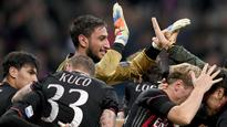 Youngsters Donnarumma, Locatelli spark Milan to huge victory vs. Juve