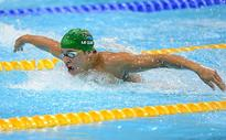 Le Clos smashes own 100m fly short course world record