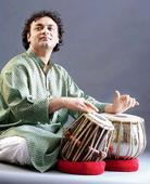 Fusion between two Swiss percussion legends and an Indian tabla soloist