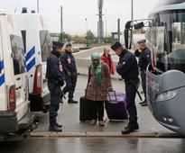 Families leave Calais Jungle for new life in south of France
