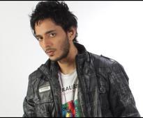 Tanishk Bagchi from 'Humma Humma' to 'Tamma Tamma' and now MUNNA MICHAEL - News