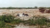 Heavy rains lash Gujarat, claim 5 lives