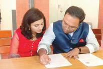 Arnab Goswami's online doppelganger Biswapati Sarkar ties the knot