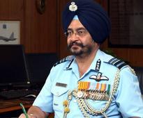 IAF chief Birender Singh Dhanoa flies Mig-21 fighter jet