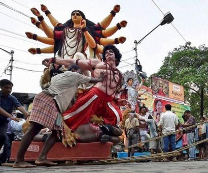 'Godless' CPI(M) banks on Durga for people re-connect