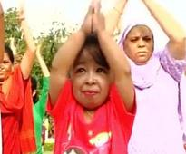 Nagpur: World's smallest living woman Jyoti Amge takes part in yoga session