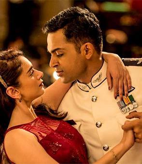 Review: Kaatru Veliyidai: A beautiful romance