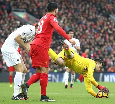 EPL PIX: Liverpool, Tottenham drop points, Rooney record