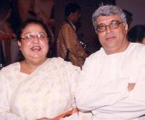 Farhan Akhtar brings his parents Javed Akhtar and Honey Irani together - News