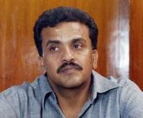 Alleging land grab, Sanjay Nirupam files complaint against Sena minister Waikar with Lokayukta