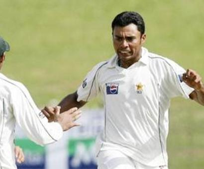 Kaneria returns to Pak; ends speculation of India settlement