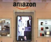 Black Friday: Despite Amazon, other online sites, brick stores not dead yet