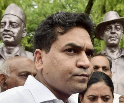 Kapil Mishra 'heckled' by AAP MLAs in Delhi assembly