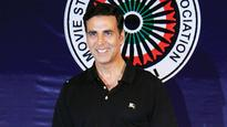 Akshay Kumar plays cupid for Twinkle!