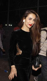 PIX: Malaika, Kareena, Karisma attend Christmas midnight mass