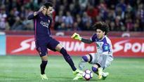 La Liga: Barcelona thrashes Granada 4-1