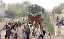 Quetta Express engine fails near Ghotki; railway traffic suspended