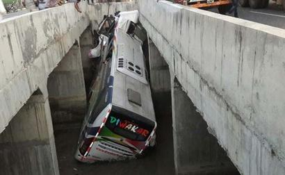 11 dead as bus falls into canal in Andhra Pradesh