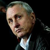 Sport24.co.za | Fans put rivalries aside to pay homage to Cruyff