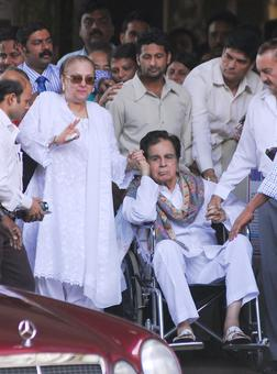 Creatinine level in blood rising, say docs treating Dilip Kumar