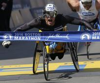 8 Moments From The Boston Marathon That Show The Goodness Of People