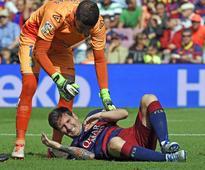 Messi misses training, passes kidney stone