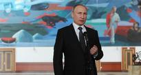 Putin Slams US Presidential Candidates for Playing Russian Card