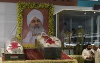 Major Roads in Delhi Blocked as Thousands of Devotees Pay Tribute to Nirankari Head