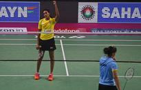 Shuttlers Saina, Sindhu to clash in India Open QF